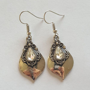 Jewelry - Silver and Clear Stone Earrings